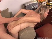 Picture Beautiful mature blonde has a very sexy body...
