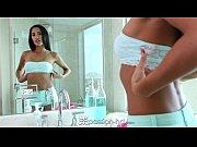 Muito sexo grátis rola nesse vídeo porno