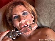 Picture Super sexy old spunker loves to fuck her soa...