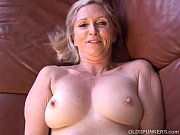Picture Super sexy older lady plays with her juicy p...