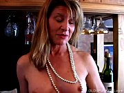 Picture Super sexy old spunker plays with her soakin...