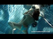 Picture Zuzanna and Lucie playing underwater