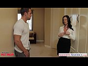 Picture Chesty mom Kendra Lust gets facial