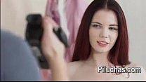 mi amigo graba mi primer video desnuda pero nos gana las ganas y terminamos follando