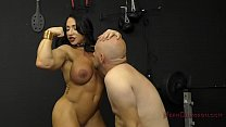 Muscle Queen Brandi Mae Makes Her Slave Lick Her Ass