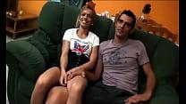 videosx- - Nos enseña cómo le gusta reventar el culito a su novia