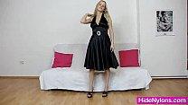 Leggy blondie girl untidy nylon pussy fetish