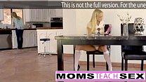 Moms Teach Sex - Mamã grande do peito captura a filha