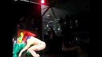 152 - Dançarina fica de calcinha em palco de baile funk usando mascara do Guy Fawkes