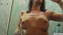 Reina Pornero - Sexual Shower