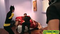 batgirl-catwoman-tegan 1280x720 (1)