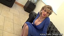 Lady Sonia An English Housewifes Cleavage