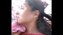 Sleeping Aunty Boobshow yellow blouse in public- delhi bus