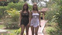 Tania con una amiga