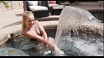Tiny4K - Short blonde girl Amy Summers shake he...