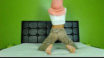 Sexy Arab Hijab girl twerking ass on cam - See more at