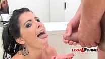 Huge butt Montse drinks pee (piss drinking anal...