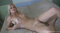 Blondes are awesome when it comes to masturbation