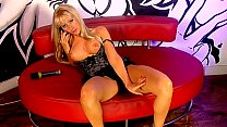 Hot blonde phonesex girl Louisa