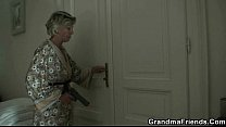 lady mature up wake robbers Young