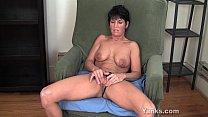 MILF Kassandra Working Her Clit
