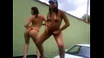 Luciana e sua amiga piranha em Leme - SP