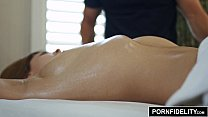 Pornfidelity - Leah Gotti Gets Her Pussy Massaged