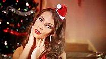 Glamour Beauty Lia Taylor cums hard for Christmas