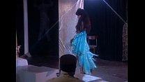 Metro - Risque Burlesque 01 - scene 1