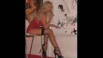 Nadia Mori sexy alla Tinto Brass, diva futura