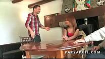 Papy baise une jeune metisse francaise avec un ...