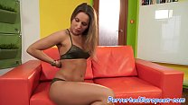 Glamour babe pussytoying in highheels