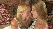 Leony & Carol - Sensual Kissing