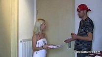 Deutscher Midget Star Curly teen fickt den Pizz...