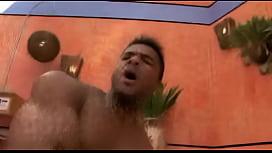Moreno bombado fodendo com tesão