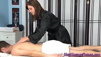 Tat masseuse sucking dick