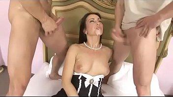Double penetration for a broken ass