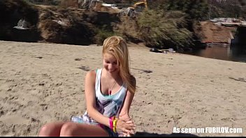 Petite amateur teen girl gives a bl..