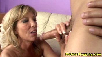 cougar blowjob videos Hot cougar with hairy cunt gobbles fuck and gets fucked dogg.