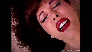 Beautiful mature latina vanessa bella has a jui...