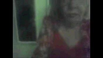 หนังโป๊ฝรั่งเย็ดสาวใหญ่รุ่นเเม่ หีสวยเนื้อเเน่นนมใหญ่ไฟแรงอมควยให้อย่างเสียว คลิ๊ปโป๊ เมื่อไม่นานมานี้ผมเพิ่งดูหนังโป๊ฝรั่ง ที่เกี่ยวกับคนแก่ไปแล้วผมก็เป็นคนที่ไม่ชอบเลย เพราะการเย็ดสาวใหญ่เลยแม่ฉันเป็นอะไรที่มันน่ารังเกียจมาก แถมผมยังไม่เข้าใจว่าพวกเธอทั้งหลายเนี่ยทำไมไม่ปล่อยวางในเรื่องเซ็กซ์ ผมดูหนังโป๊ฝรั่งมาหลายเรื่องก็มักจะมีเรื่องราวที่เกี่ยวกับสาวผู้ใหญ่รุ่นแม่ ที่ชอบเล่นเสียวกับหนุ่มวัยรุ่นไฟแรงแถมยังให้ผู้ชายเลียหี แบบไม่น่ารังเกียจเลยทำไมไม่ปล่อยวางเพราะขณะอายุเท่านี้แล้วควรจะไปหวังเรื่องเซ็กซ์พวกนี้แล้ว เเต่ทำไมไม่คิดที่จะปล่อยวาง ผมนั่งดูไปก็คิดเหมือนกันว่าแม่ของผมจะเป็นแบบนั้นหรือเปล่า แถมหนังโป๊ฝรั่งที่ดูวันนี้จังเป็นสาวใหญ่ที่รูปร่างสวยนมใหญ่ไฟแรงอมควยผู้ชายแต่ละครั้งทำเอาผมถึงกับนั่งเสียวควยไปหมดอยากที่จะชักว่าวเล่นไปด้วยเลย ก็ไม่น่าเชื่อเหมือนกันว่าเธอจะเป็นสาวใหญ่รุ่นแม่เพราะเนื้อเธออย่างนี้นมใหญ่หีฟิตอยู่เลยแต่ก็เป็นอีกเรื่องหนึ่งที่ทำให้ผมประทับใจเราไม่เคยคิดรังเกียจสาวใหญ่รุ่นใหม่อีกเลย