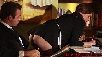 Трогают секретаршу