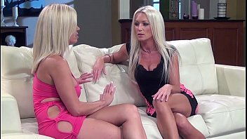 Diana-doll-milf-scissoring-with-first-timer