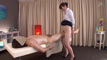 คลิ๊ปโป๊ คลิ๊ปเสียว Massage HD ถ่ายฉากโป๊ที่ร้านสปาญี่ปุ่น เอาหีAVถูขาเพิ่มระดับควมเสียวก่อนจะนวดกระปู๋แบบถอดหมด