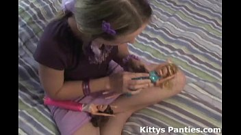 Nubile teen kitty playing with her ..
