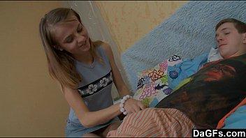 หนังโป๊ หนังxxx วัยรุ่นนัดแฟนมาเย็ดที่บ้านโคตรเด็ดเย็ดอย่างมันขย่มหัวควยอย่างเสียวครางได้อารมย์สุดสุดเย็ดเสียวมาก ๆ