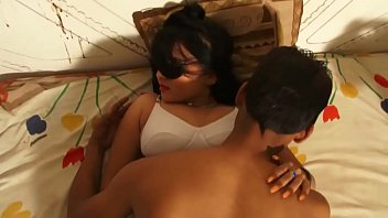 Folladas Indian bhojpuri hot smooching clip making