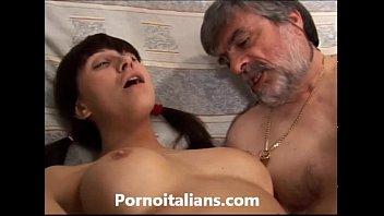 Porno incesto italiano - vecchio porco scopa ra...