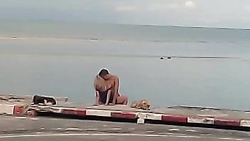 หนังx แอบถ่ายฝรั่งเอากันชายหาดที่เกาะสมุย เป็นข่าว Khoasod บอกว่าเมาเลยมาขอโทษ แต่อดไม่ได้ ต้องเสียบควยเข้าหี