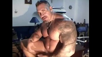 Muscle daddy cam
